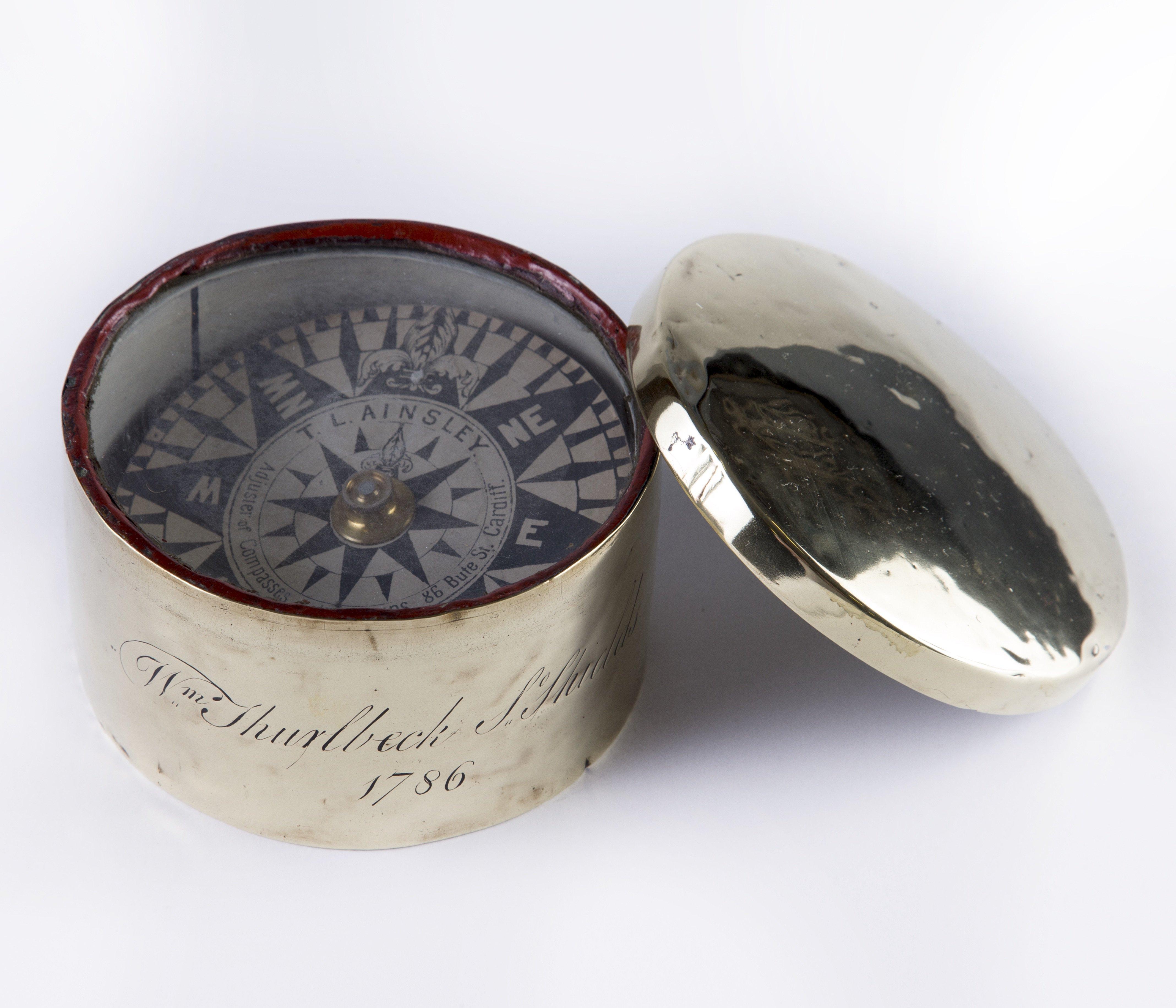 "Brass coble compass, inscribed ""Wm Thurlbeck, So Shields, 1786"""