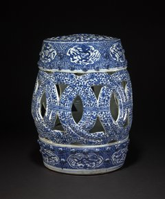 Side view, large hollow blue and white porcelain garden seat, Jingdezhen, 1573–1620 © The Trustees of the British Museum lent by kind permission of the Trustees of the Sir Percival David Foundation