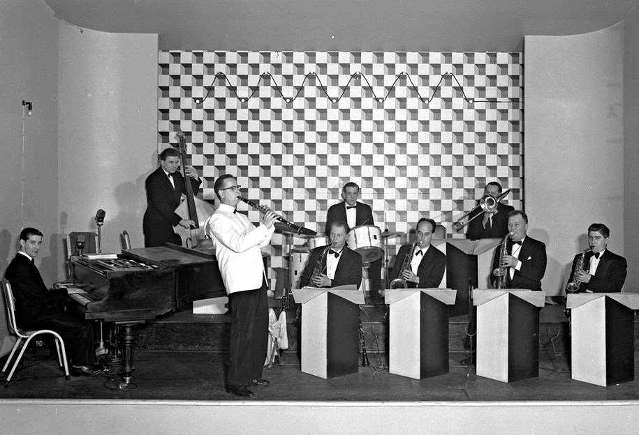 Black and white photograph of a jazz big band.