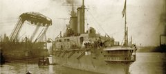 HMS Queen Mary leaving Palmers, Jarrow, 30 Aug 1913