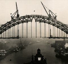 A view of the Tyne Bridge during its construction